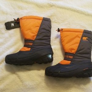 NWT SOREL childrens winter boots